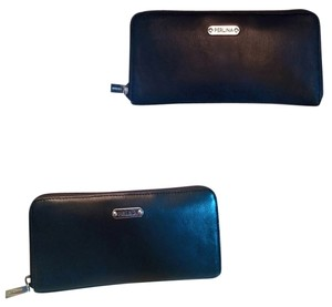 Perlina LIKE NEW ! Perlina Black Leather Zippy Wallet with Silver Hardware, Classic Wallet!