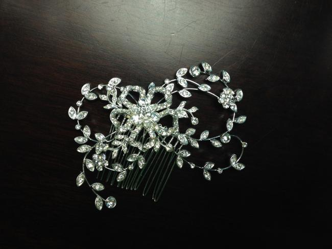 Item - Silver/Crystal Embellished Floral Comb Style C8094 Hair Accessory