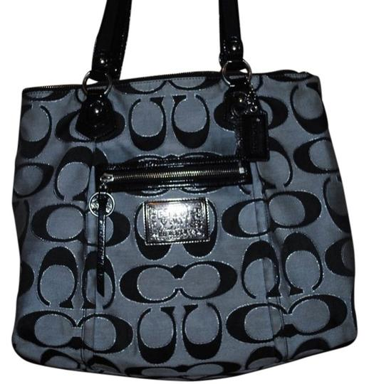 Preload https://item5.tradesy.com/images/coach-poppy-black-gray-and-shimmery-silver-signature-tote-413214-0-0.jpg?width=440&height=440
