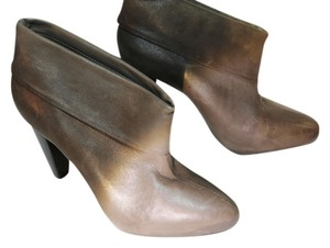 Pour La Victoire Leather Size 7 1/2 Cool Chic Unique Rocker Chic Fall Fall Trend Best Taupe Taupe Taupe Pre Fall Grey Boots