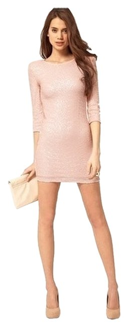 Preload https://item1.tradesy.com/images/nude-blush-sequin-with-long-sleeves-mid-length-cocktail-dress-size-4-s-4135825-0-0.jpg?width=400&height=650