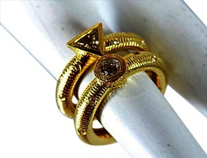 Paul Morelli PAUL MORELLI Handmade 18kt yellow gold sprinkled with diamonds RINGS (2) $11000