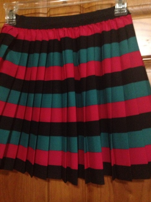 Forever 21 Skirt Black/red/emerald