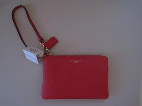 Coach NWT COACH SAFFIANO LEATHER SMALL WRISTLET PINK SCARLET GOLD HARDWARE