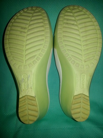 Crocs Green & White Sandals