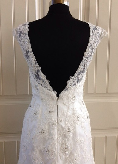 Moonlight Bridal Ivory Lace D8032 Feminine Wedding Dress Size 6 (S)