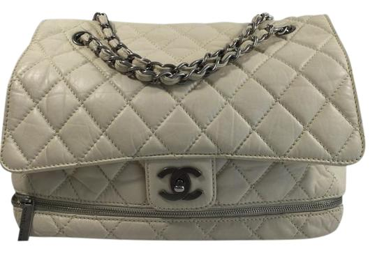 Preload https://item2.tradesy.com/images/chanel-quilted-expandable-flap-off-white-leather-shoulder-bag-4142731-0-8.jpg?width=440&height=440