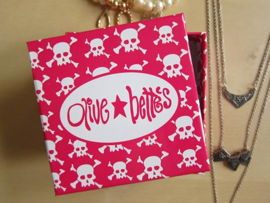 Forever 21 Brand New 7 Sets of Jewelry + Pink Skull Olive and Bettes Jewelry Box