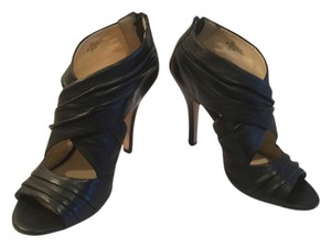 Isola Soft Gathers PRICE REDUCTION Black leather cream leather lining back zippers Sandals