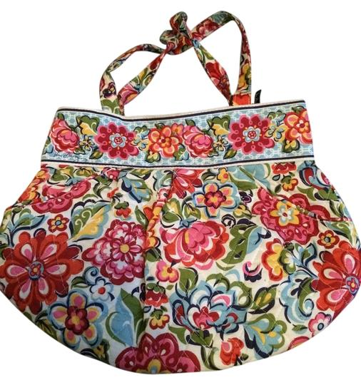 Preload https://img-static.tradesy.com/item/4144366/vera-bradley-floral-cotton-fabric-hobo-bag-0-0-540-540.jpg