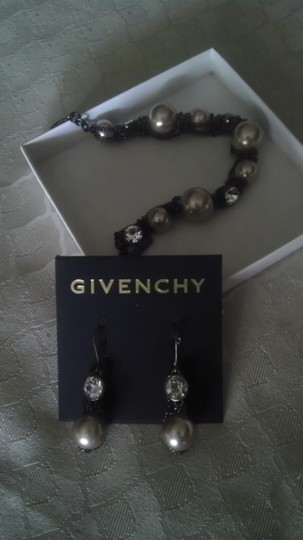 Givenchy Givenchy Jewel and Pearl Bracelet and Earrings Set