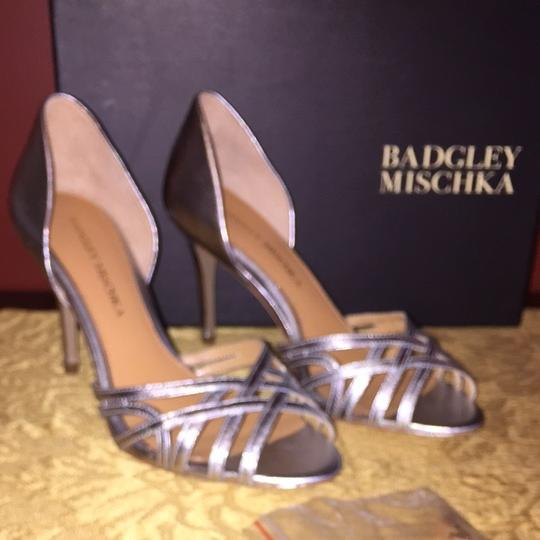 Badgley Mischka Leather Silver Formal