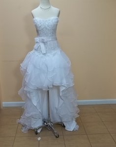 Impression Bridal White Organza 10009 Formal Wedding Dress Size 8 (M)