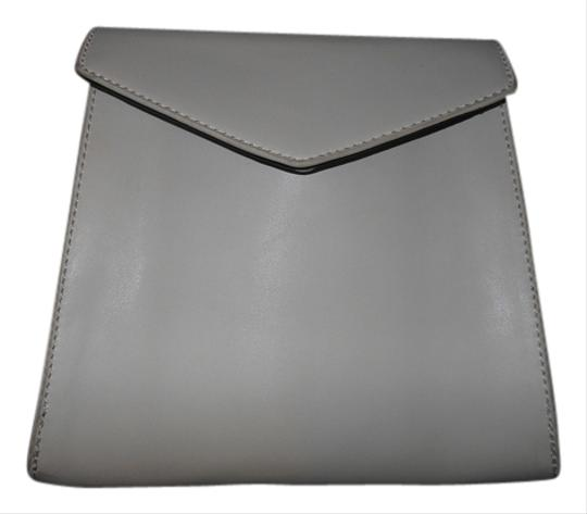 Preload https://item1.tradesy.com/images/white-pleather-clutch-4145155-0-0.jpg?width=440&height=440