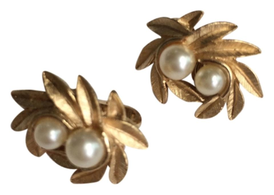 Avon Gold Pearl Vintage Costume Tone Clip On Earrings