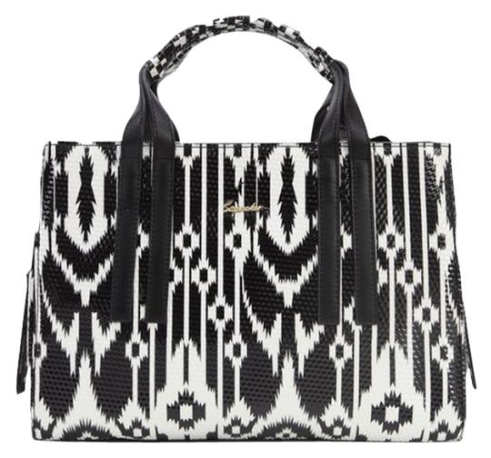 Preload https://item2.tradesy.com/images/sapsucker-satchel-black-and-white-4146481-0-0.jpg?width=440&height=440