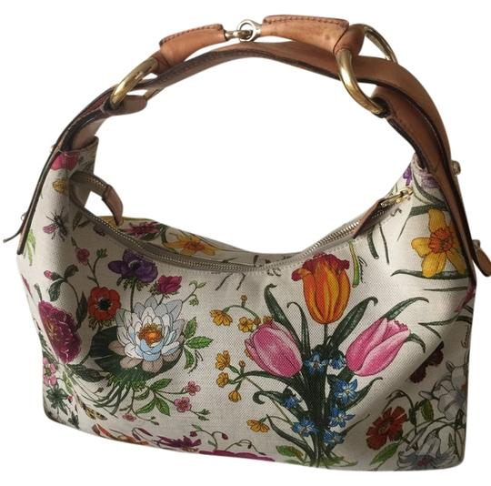 Preload https://item4.tradesy.com/images/gucci-hobo-bag-white-canvas-with-multicolor-floral-print-4146658-0-0.jpg?width=440&height=440