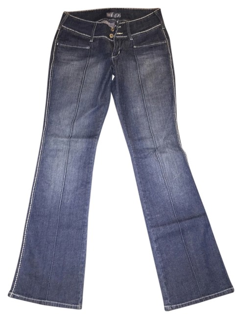 Preload https://item2.tradesy.com/images/blue-distressed-boot-cut-jeans-size-29-6-m-4147396-0-0.jpg?width=400&height=650