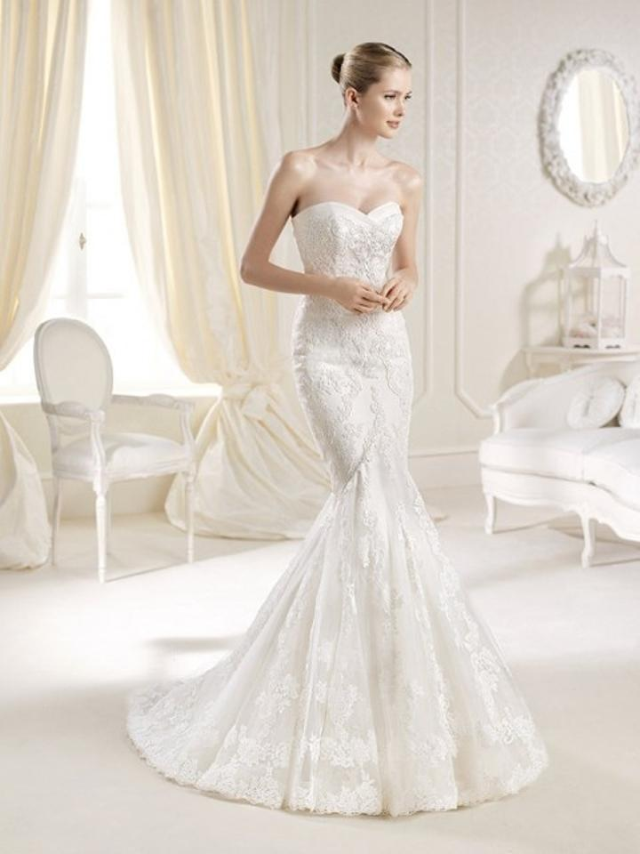 La Sposa Off White/Ivory Tulle Lace with Guipur Applications Mullet ...