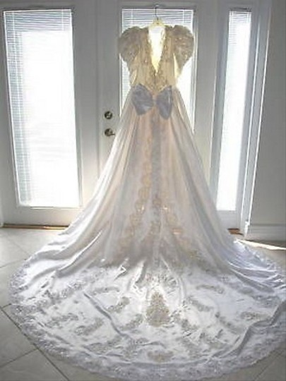Demetrios Off White/Cream Satin Beaded Feminine Wedding Dress Size 6 (S)