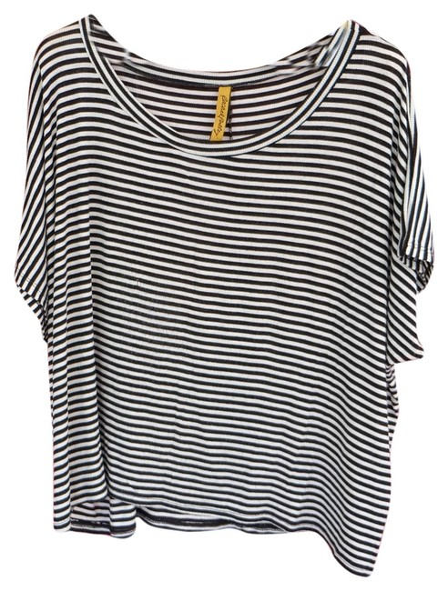 Preload https://item5.tradesy.com/images/rachel-pally-black-and-off-white-tee-shirt-size-2-xs-4148749-0-0.jpg?width=400&height=650