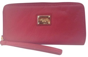 Kenneth Cole Kenneth Cole Large Leather Zip Around Wallet with Removable Wristlet burgundy