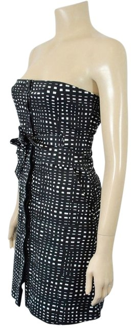 Preload https://item5.tradesy.com/images/theory-black-and-white-cotton-strapless-sh-above-knee-cocktail-dress-size-4-s-4149724-0-2.jpg?width=400&height=650