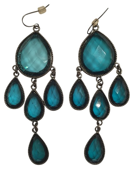 Preload https://item2.tradesy.com/images/greenish-teal-stunning-statement-earrings-4150426-0-0.jpg?width=440&height=440