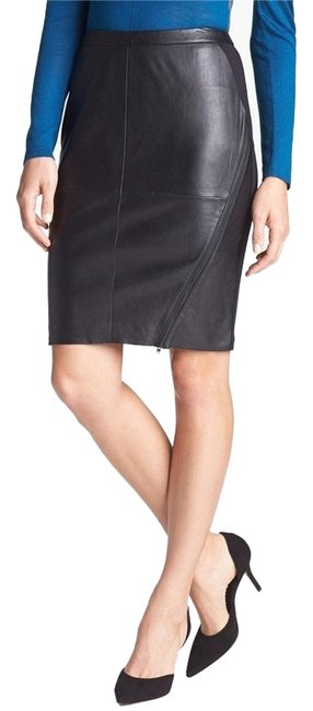 Preload https://item4.tradesy.com/images/trouve-black-leather-front-pencil-knee-length-skirt-size-2-xs-26-4151563-0-0.jpg?width=400&height=650