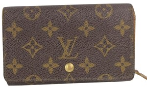 Louis Vuitton Louis Vuitton Monogram Wallet LVAV95