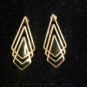 Black and gold pointed earrings