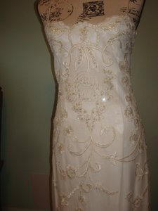 55f9a7ea427 Jessica McClintock Ivory Hand Beaded Formal Wedding Dress Size 4 (S ...
