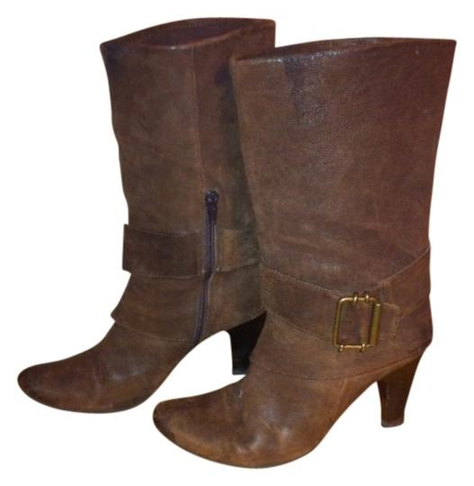 Preload https://item5.tradesy.com/images/distressed-brown-leather-buckle-bootsbooties-size-us-7-regular-m-b-415714-0-0.jpg?width=440&height=440