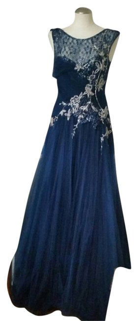 Preload https://img-static.tradesy.com/item/4158127/blue-ball-gown-prom-pagent-long-formal-dress-size-6-s-0-1-650-650.jpg