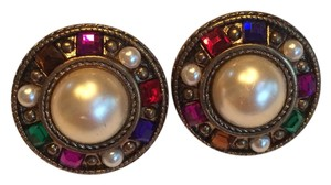 Jewels Pearls Round Clip On Earrings