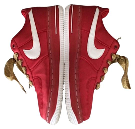 Preload https://item5.tradesy.com/images/nike-red-athletic-4159114-0-0.jpg?width=440&height=440