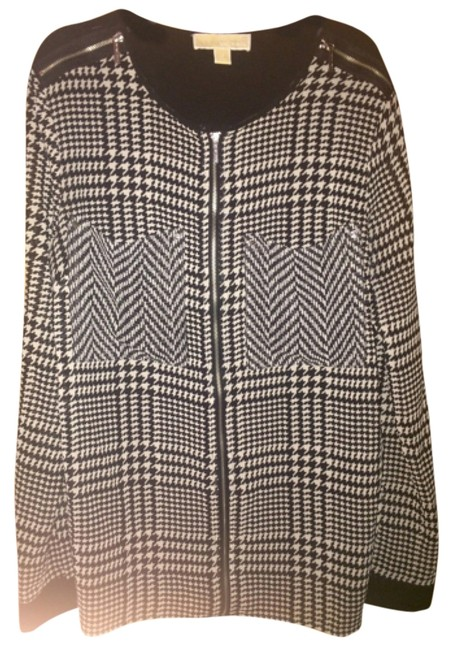 Preload https://item3.tradesy.com/images/michael-michael-kors-black-and-white-blouse-size-10-m-4165252-0-0.jpg?width=400&height=650