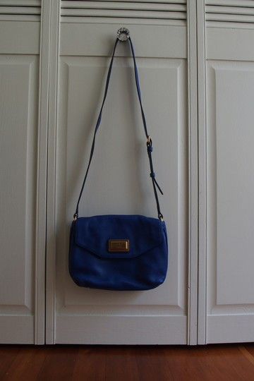 Marc Jacobs Leather Magnetic Snap Cross Body Bag