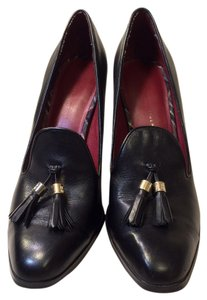 Tommy Hilfiger Black Leather Pumps