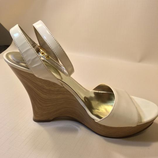 Guess White Wedges