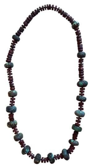 Preload https://item2.tradesy.com/images/turquoise-artist-necklace-4167886-0-0.jpg?width=440&height=440