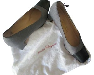 Salvatore Ferragamo grey with navy blue Pumps
