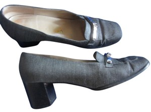 Salvatore Ferragamo grey Pumps