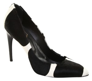 Roger Vivier Black, Cream Pumps