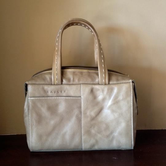 Hilary Radley Tulip Leather Purse England Satchel in taupe