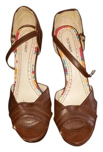Old Navy brown Sandals