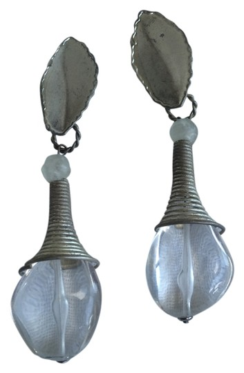 Preload https://img-static.tradesy.com/item/4173184/metal-grey-with-clear-acrylic-clip-on-earrings-0-0-540-540.jpg