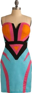 Minuet Petite Strapless Colorful V-neck Dress