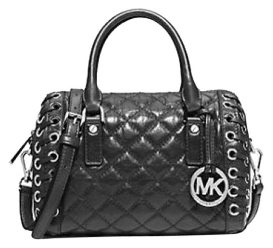 Preload https://img-static.tradesy.com/item/4174576/michael-kors-sophie-small-black-quilted-leather-satchel-0-0-540-540.jpg