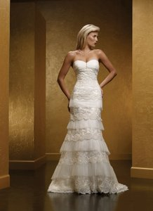 Mia Solano Ivory M424c Traditional Wedding Dress Size 10 (M)